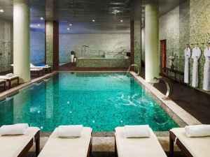 pool_at_the_h10_marina_barcelona